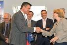 Les services nantais de l'AEFE reçoivent la visite de M. le ministre David Douillet
