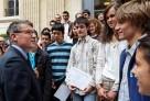 Le ministre de l'Éducation félicite les lauréats des Olympiades de mathématiques 2012, parmi lesquels 8 élèves du réseau
