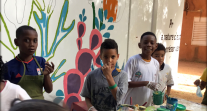 Africa 2020 : réalisation d'un fresque au lycée français La Fontaine à Niamey (Niger)
