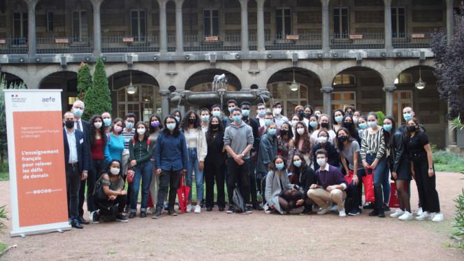 Accueil de la promotion 2021 Excellence-Major : photo-souvenir au lycée du Parc à Lyon