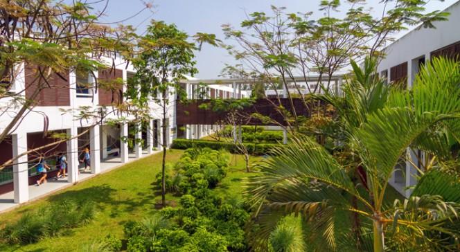 """Exposition """"25 ans de l'AEFE, à l'école du développement durable"""" : ARCHITECTURE BIOCLIMATIQUE"""