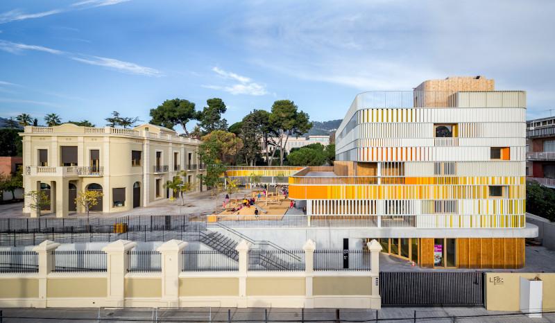 Barcelone (vue générale de l'école maternelle)