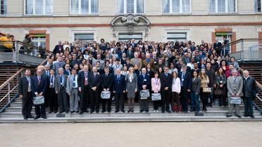 1er FOMA en 2009 à Paris : photo de groupe des participants