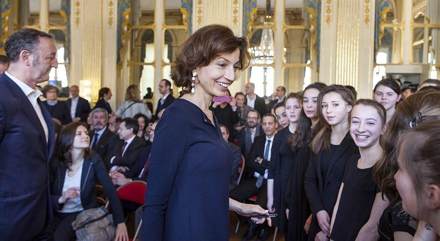 La ministre et la chorale de Marcoussis