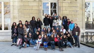 Photo de groupe sur la terrasse de l'École des Mines au cœur du Quartier latin