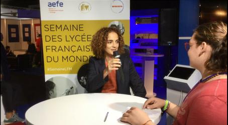 Leïla Slimani, marraine de #SemaineLFM, au micro